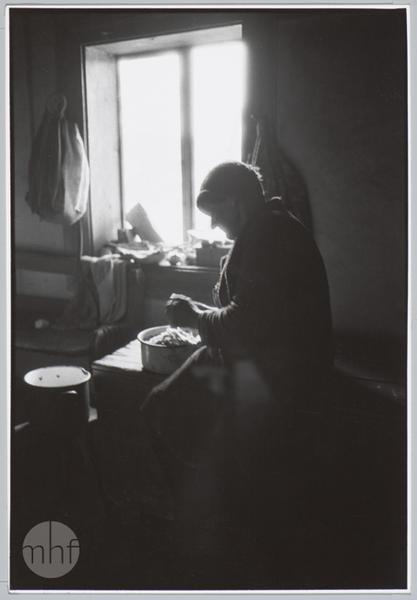Habajka (Anna Habaj) - portret we wnętrzu, 1985-1989, fot. Stanisław Ciok, MHF